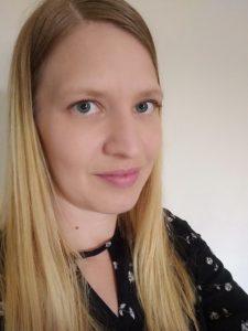 Kuva nuoresta naisesta