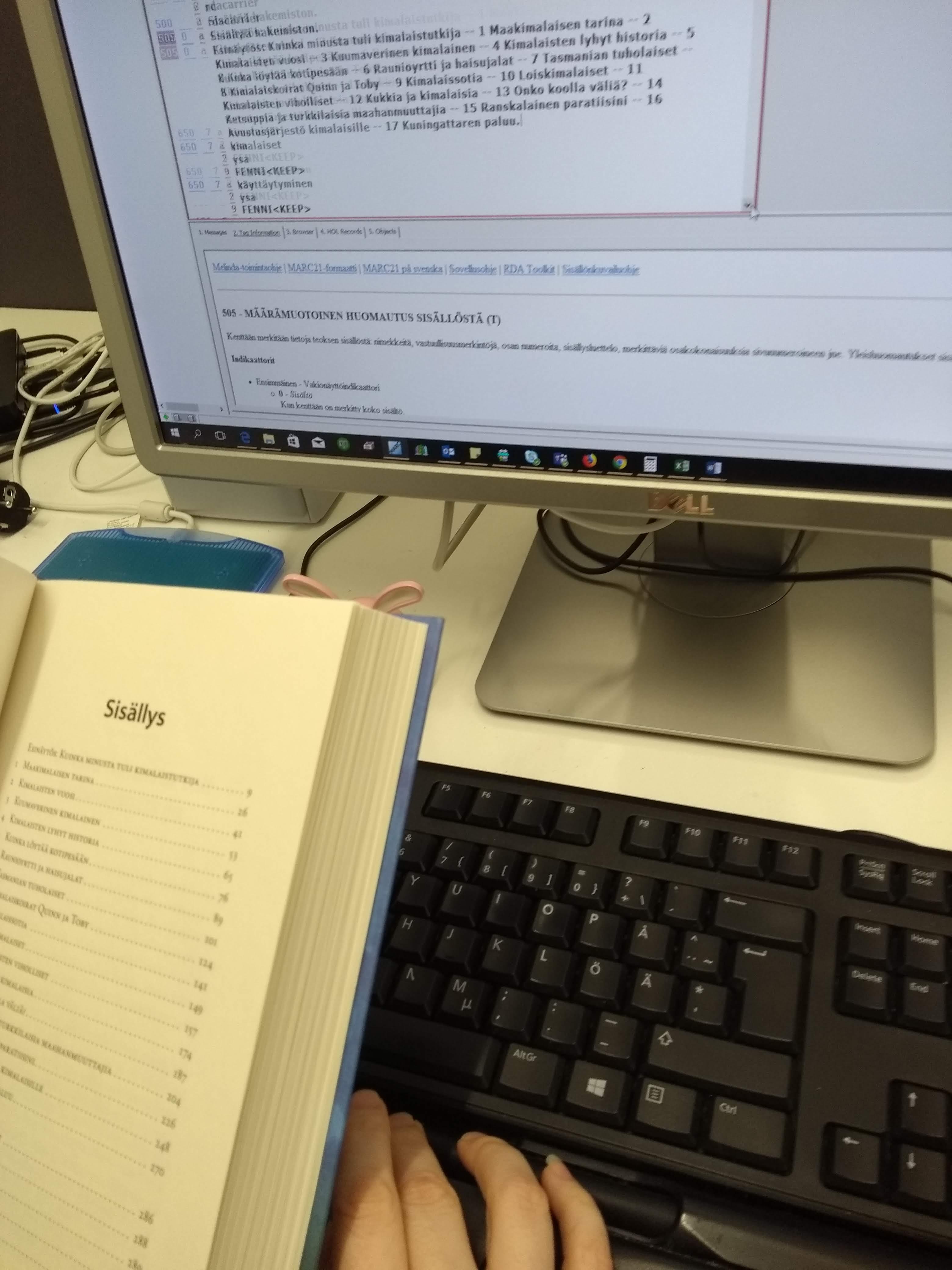Sisällysluettelon lisääminen tietokantaan
