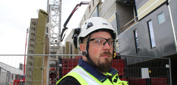 Harri Huusko rakennustyömaalla