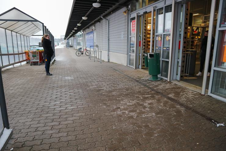 Citymarketin esteetön ovi