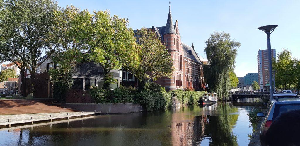 Hollannissa on paljon upeita rakennuksia